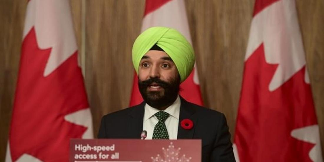 Bains suggests Ottawa may draw on scorned federal loan program for airline bailout