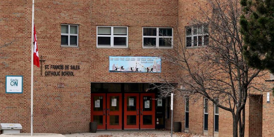 Toronto school staff member dies of COVID-19