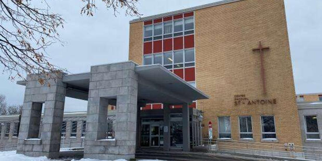 Quebec City long-term care employee in his 50s dies from COVID-19