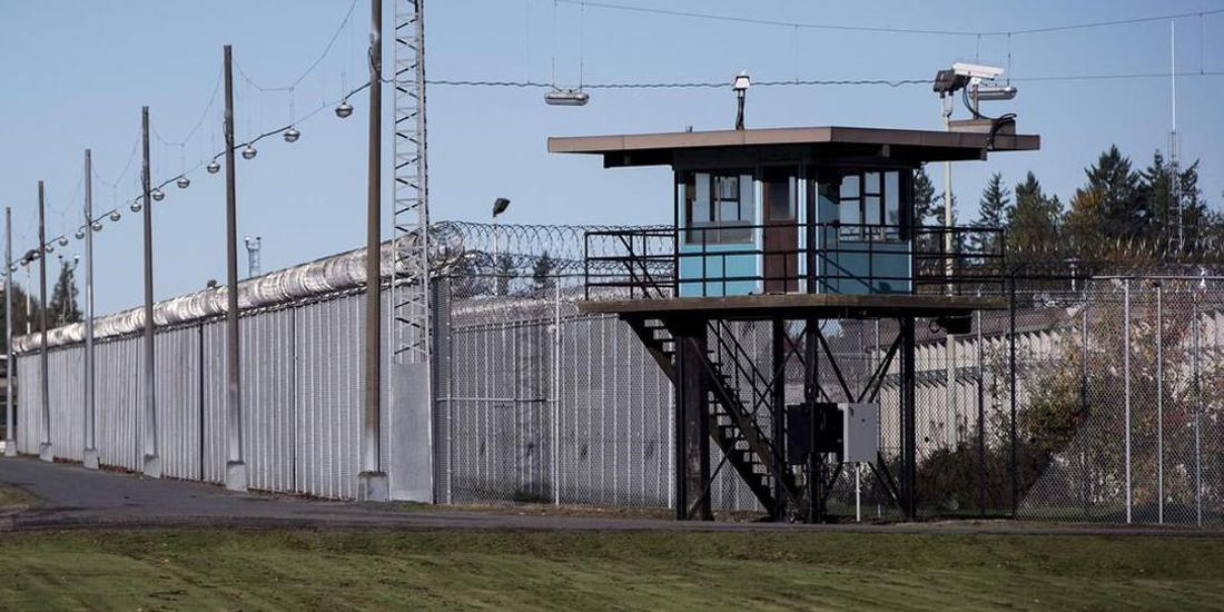 Ease employment hurdles for former prison inmates, federal study urges