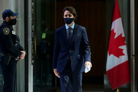Trudeau won't state position on COVID-19 vaccine patent waiver as pressure from MPs grows