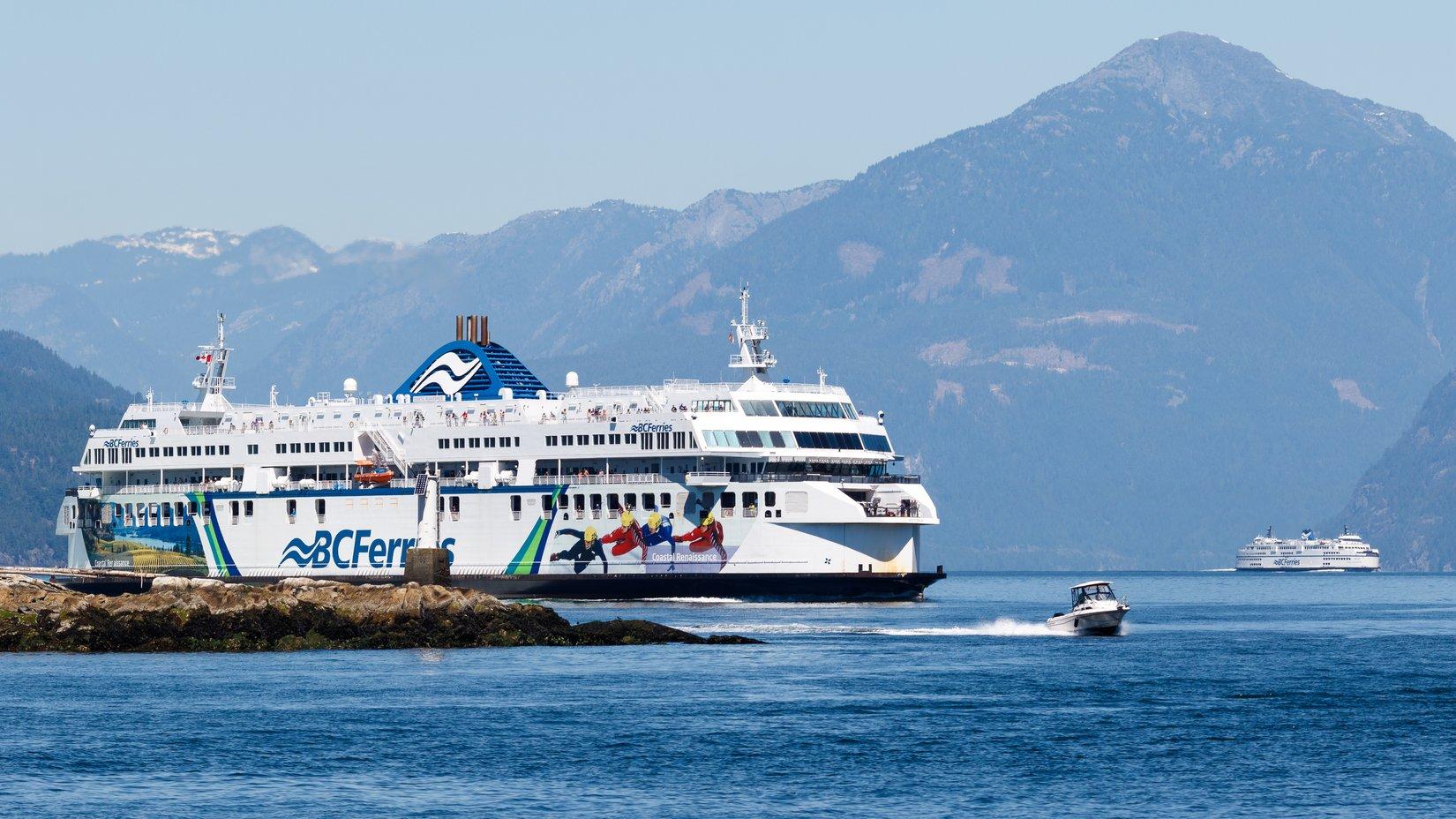 Ferry_Traffic_Vancouver__Horseshoe_Bay_-_aezoss__Flickr.jpg
