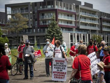Ottawa Citizen - Protesters call for binding protections for tenants before Heron Gate redevelopment approved