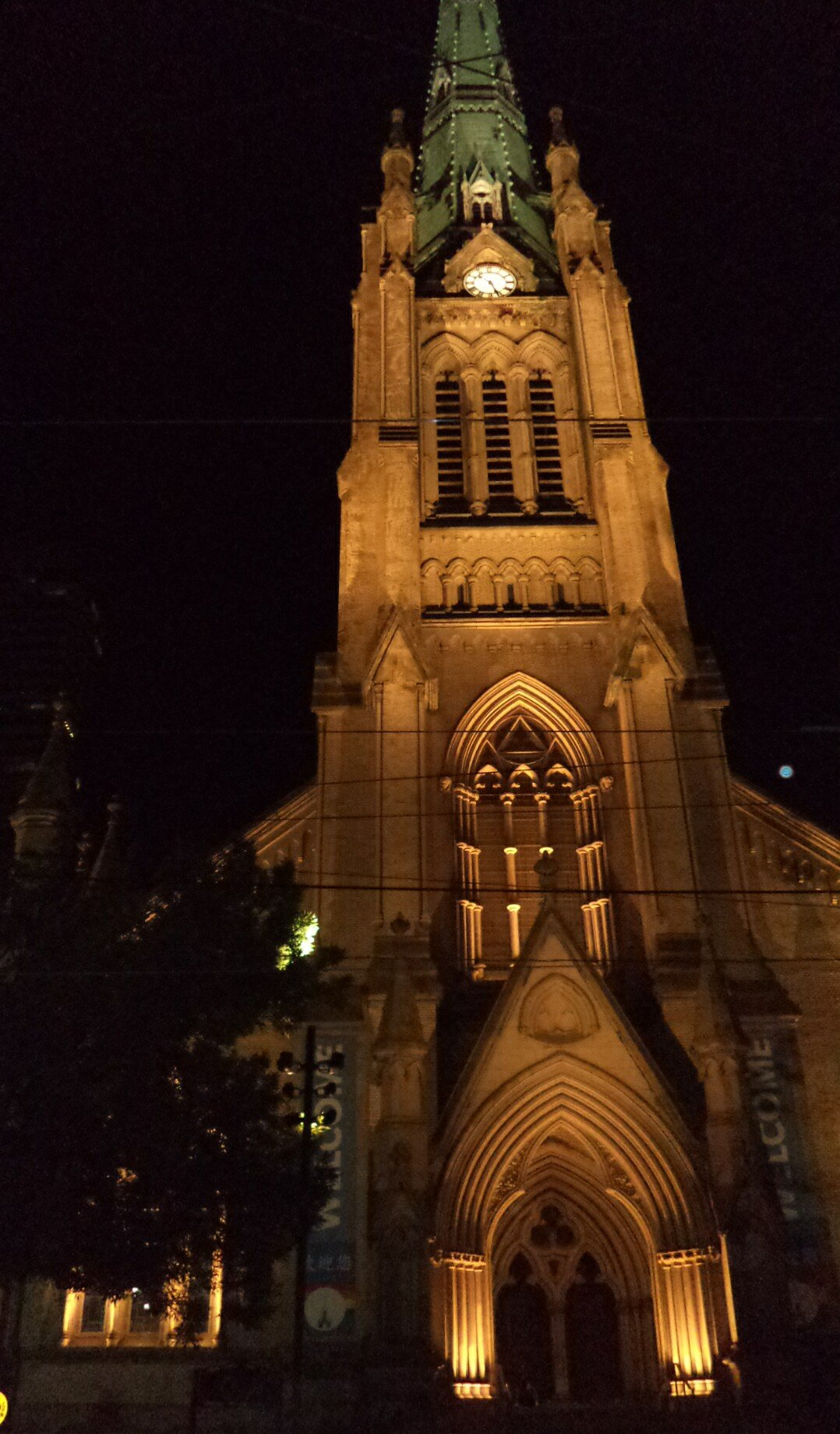 St James Cathedral (at night)