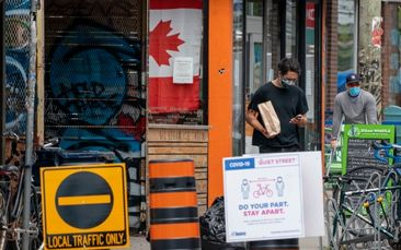 Cautious Canadians increasingly wearing masks, fear second wave of COVID: Poll