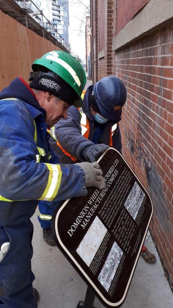 Removing the Heritage Toronto plaque, January 23